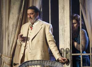 Ciaran Hinds as Big Daddy and Debra Monk as Big Mama in Cat On A Hot Tin Roof
