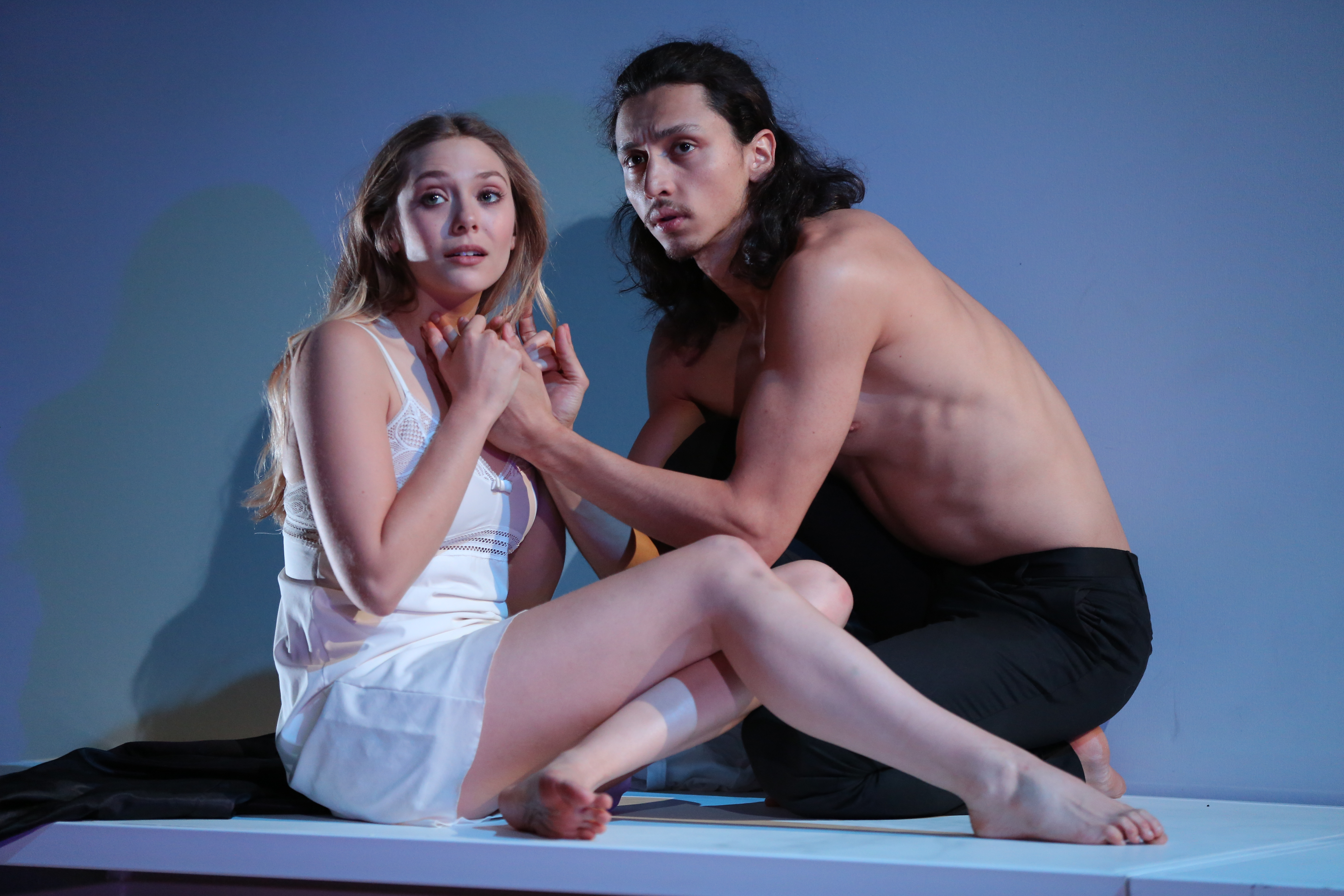Romeo And Juliet Off Broadway Review Elizabeth Olsen As