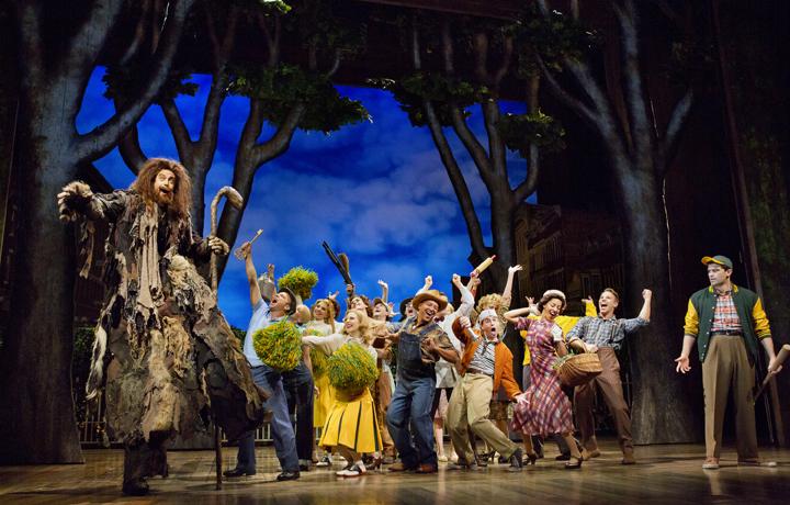 Big fish broadway review new york theater for Big fish musical script