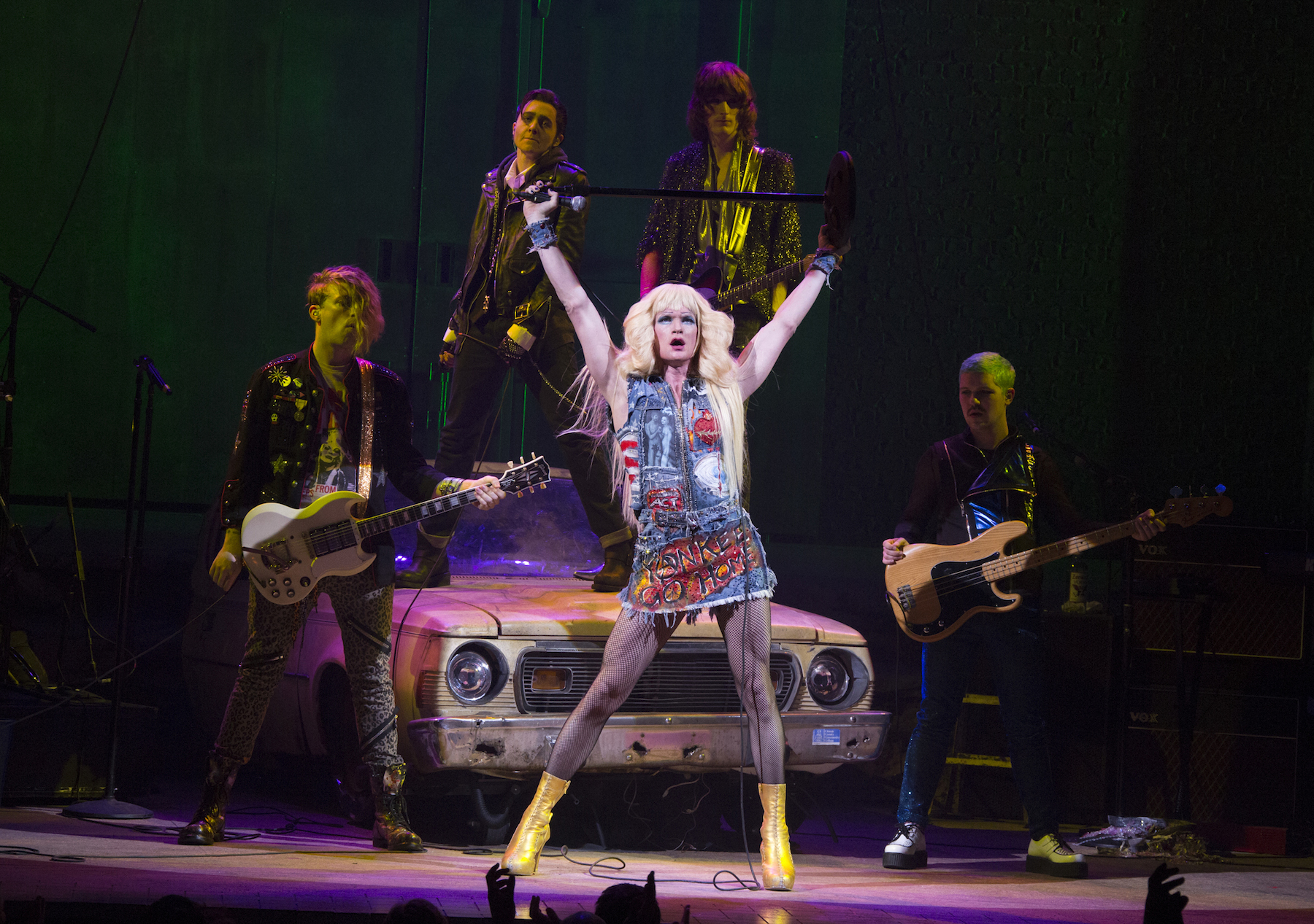 a review of the musical hedwig and the angry inch by john cameron mitchell Hedwig and the angry inch was a 1998 off-broadway rock opera by stephen trask and john cameron mitchell, adapted into a film in 2001 with mitchell in the.