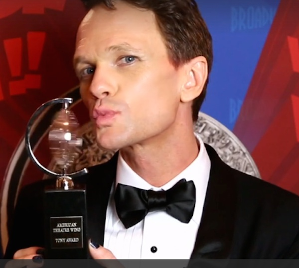 NPH kissing Tony Award