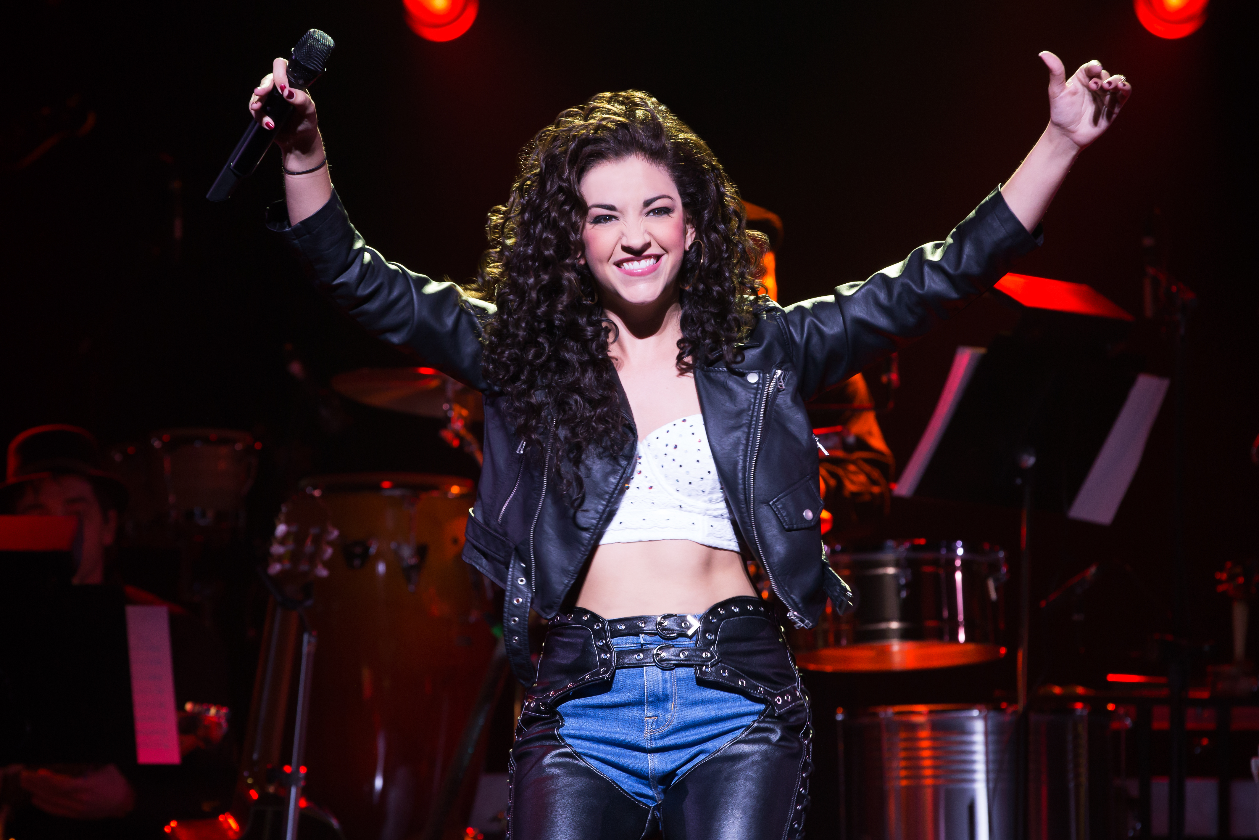 On Your Feet – Review and Pics of Gloria Estefan Musical ... Uma Thurman Broadway