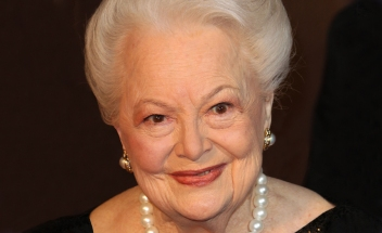 Olivia de Havilland, 100, veteran of three Broadway shows.