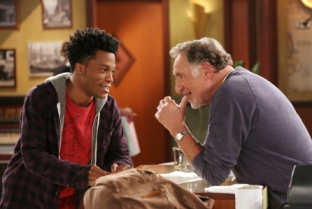 Superior Donuts the TV series stars Judd Hirsch (right) as Arthur Przybyszewski and Jermaine Fowler (left) as Franco Wicks.